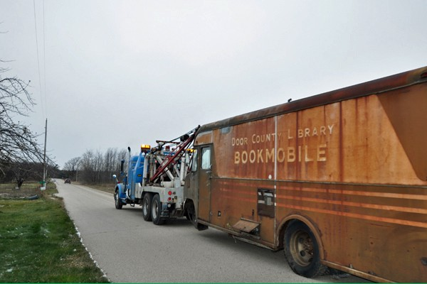 Bookmobile-Towed