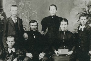 Fredrich Martens Sr. family, 1895